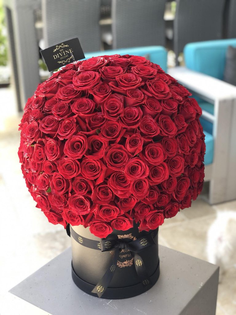 200 Red Roses Bouquet My Divine Decors